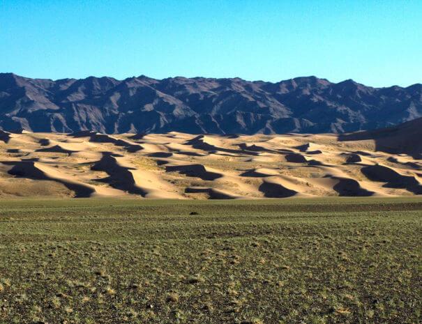 Mongolei_Gobi_Duenen_Berge