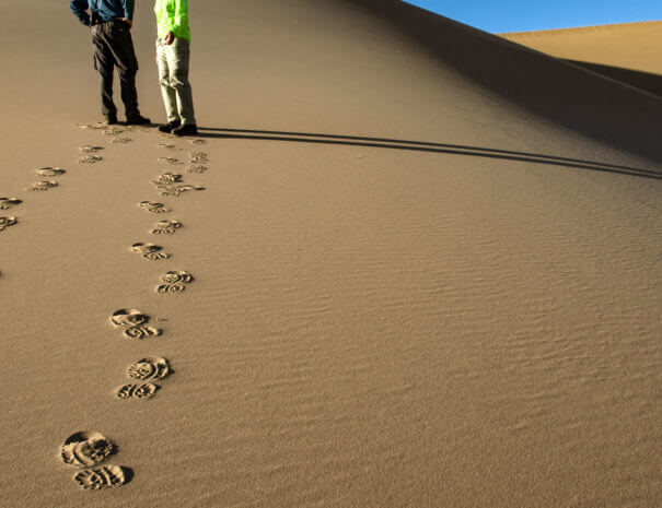 Mongolei_Gobi_Duenen_Touristen