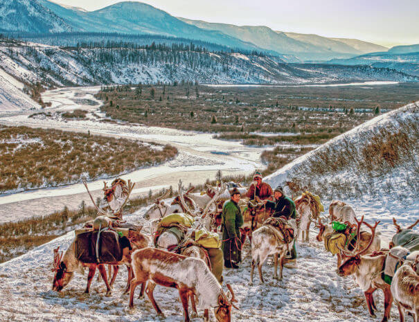 Mongolei_Renntiere_Fluss_Berge