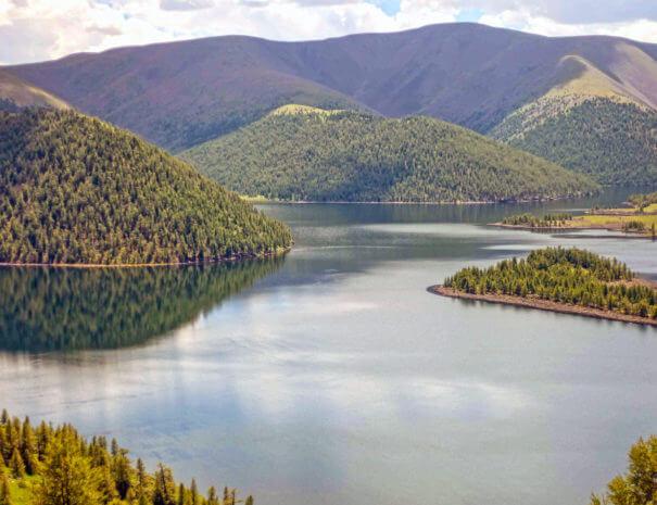 Mongolei_See_Berge